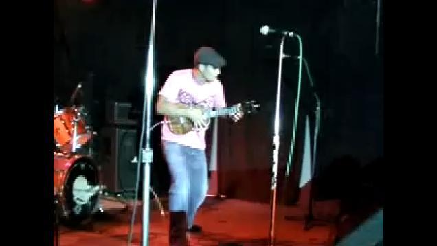 wallpaper ukulele. concert on his ukulele