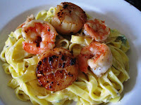 [Fettucini+Alfredo+with+pan+fried+Scallop+and+Prawn+001.JPG]