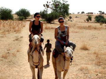 À dos de chameau
