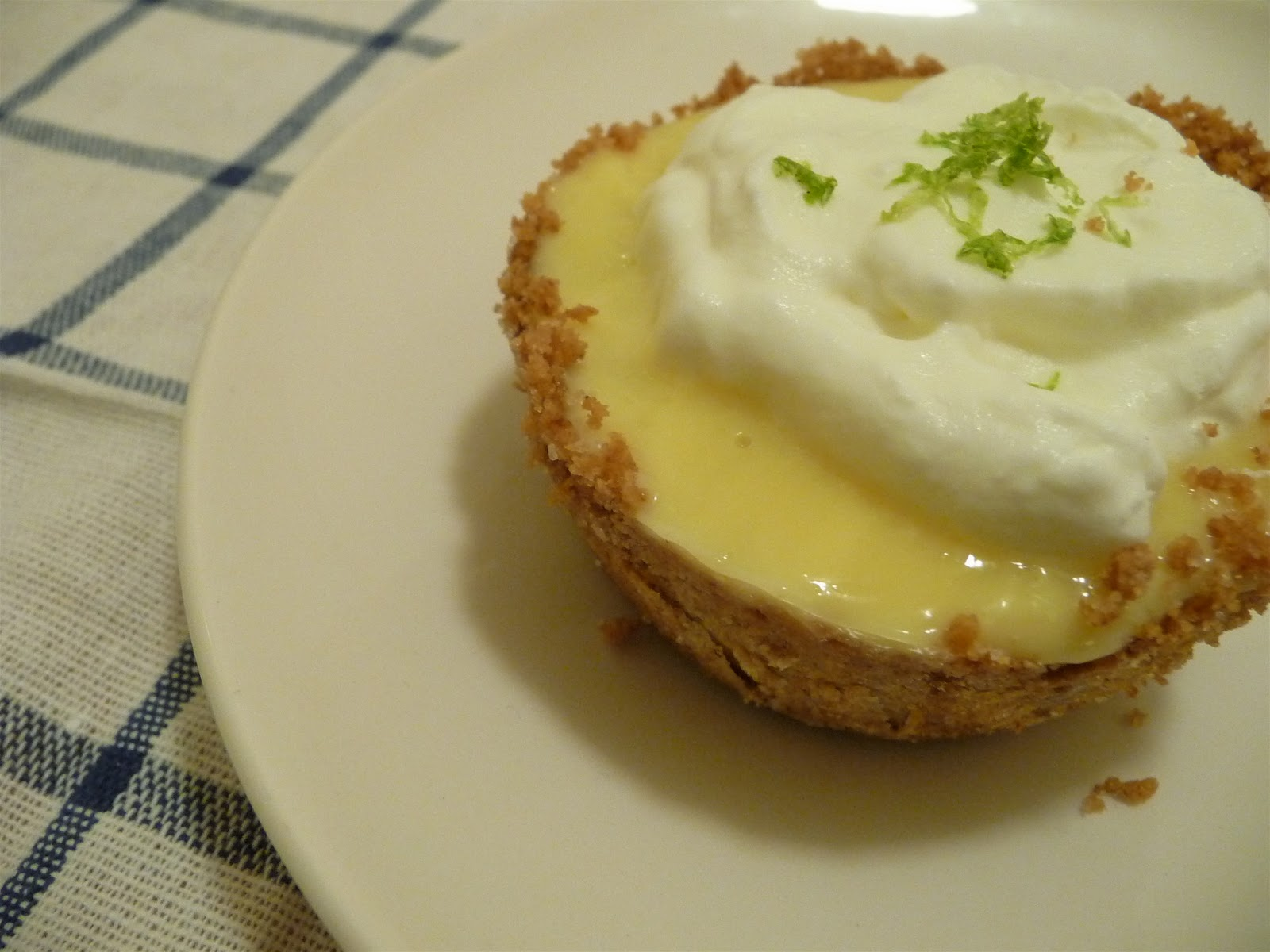 dinner party: mini frozen key lime pies