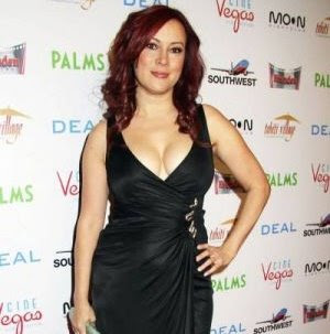 Jennifer Tilly cleavage