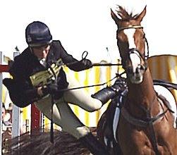 Zara Philips falls from horse