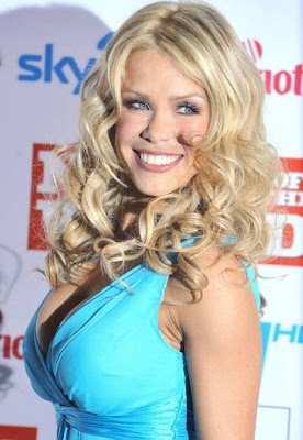 Melinda Messenger cleavage