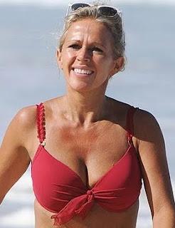 Lucy Benjamin bikini