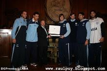 Homenaje al equipo olímpico de basquet