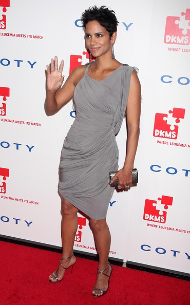 "Stars Show Support At The ""2010 ""DKMS' 4th Annual Linked Against Leukemia Gala"""
