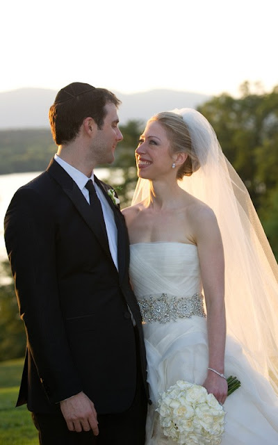 Chelsea Clinton & Marc Mezvinsky Tie The Knot (Dress Revealed)