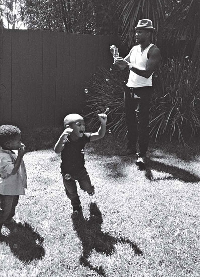 "Usher And His Sons Featured In ""W"" Mag's Family Issue"