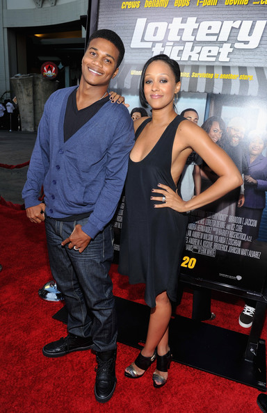 """The Game's"" Tia Mowry Is Preggers!!!"