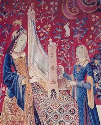 Un organetto en un tapiz francés del siglo XVI (Museo de Cluny)