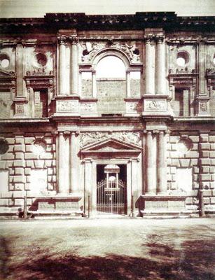 El Palacio de Carlos V de Granada hacia 1885 (© José García Ayola - Museo Casa de los Tiros)