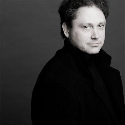 Richard Egarr (© Marco Brogrevve)