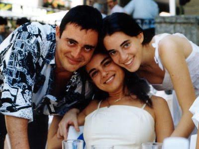 Karin Lechner (en el centro) con sus hermanos Federico y Constanza