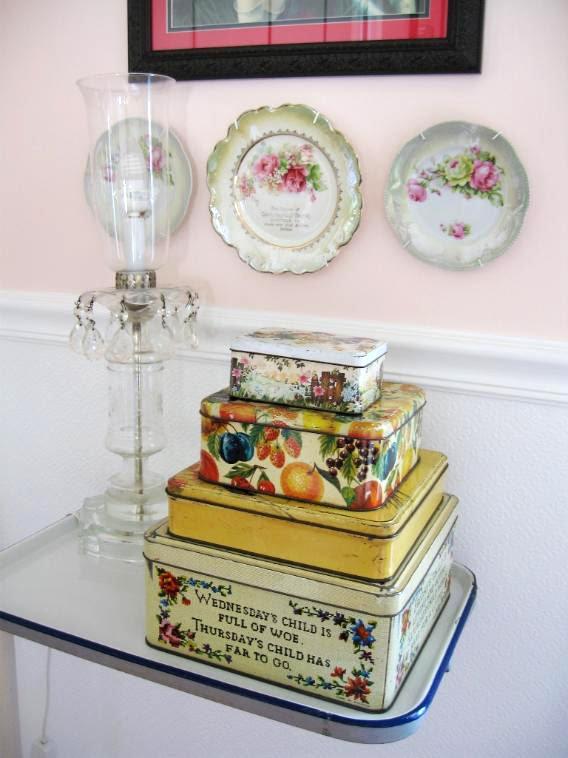 C. Dianne Zweig - Kitsch \'n Stuff: Decorating With Vintage Tin Boxes