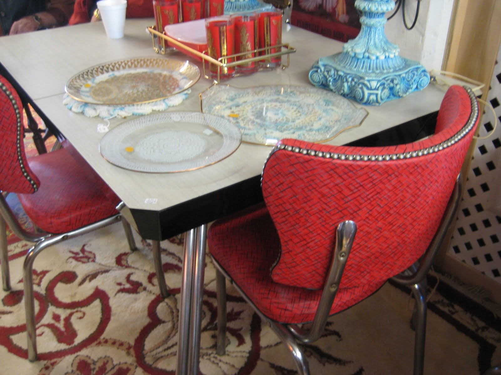 Typical Colors W Ere Red, Yellow, Gray, White, Turquoise, Pink, Green Etc.  White Tables Are Usually Less Attractive And Harder To Sell Unless They  Have Some ...