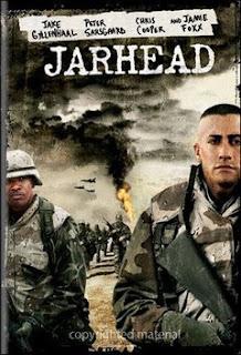 Soldado Anônimo Baseado no livro sucesso de vendas do soldado americano Anthony Swofford, interpretado por Jake Gyllenhaal. Conta as suas experiências no Oriente Médio no meio do calor incessante e as batalhas com soldados do Iraque.Swoff (Jake Gyllenhaal) é a terceira geração de sua família a servir ao exército.