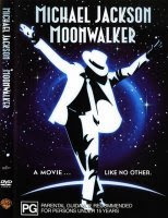 """Michael Jackson - MoonWalker filme começa com o vídeo de """"Man in the Mirror"""" e depois parte para uma edição de videoclipes da careira de Michael."""