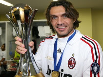 Maldini with the 2007 FIFA Club World Cup