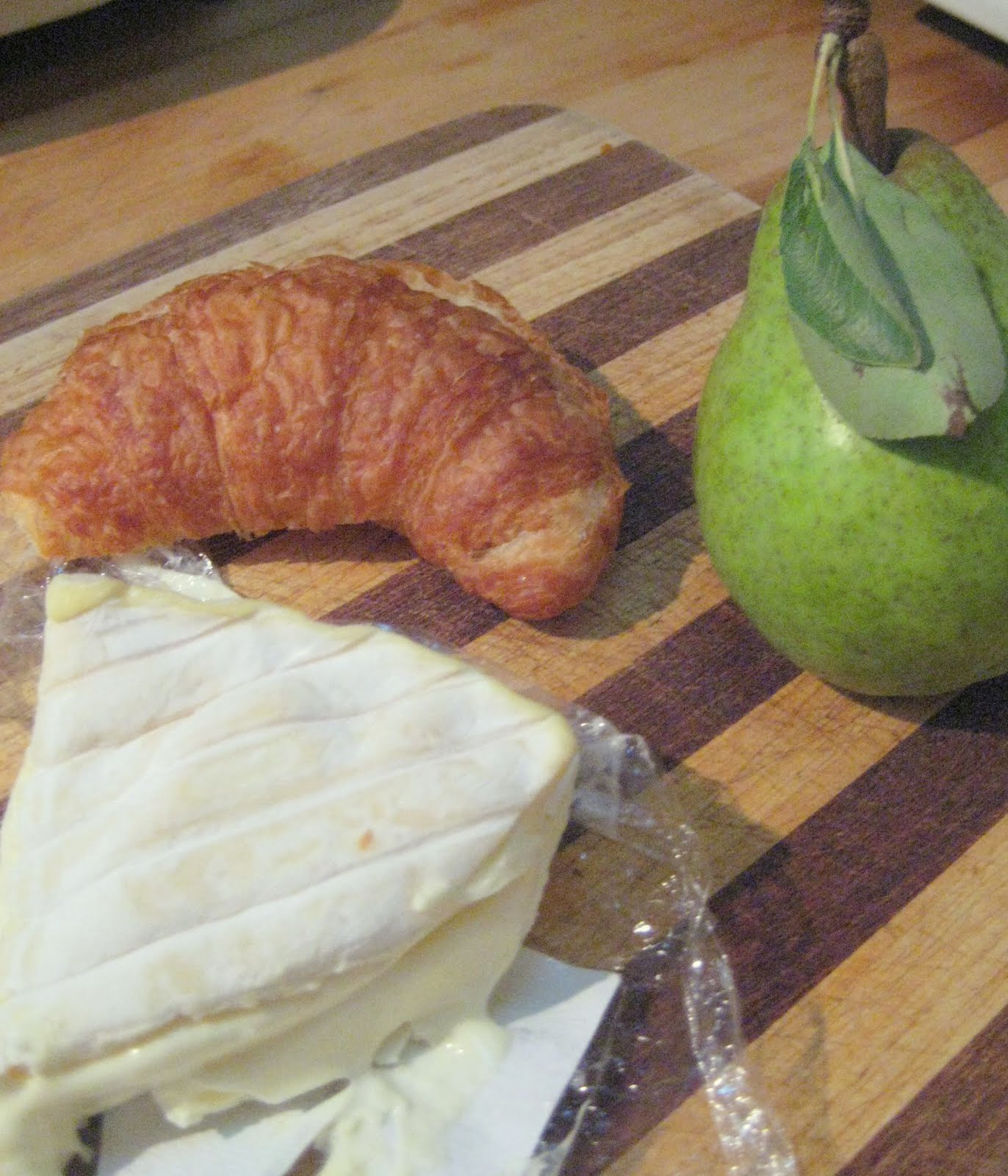 PEAR AND BRIE CROISSANT -- BREAKFAST RECIPE