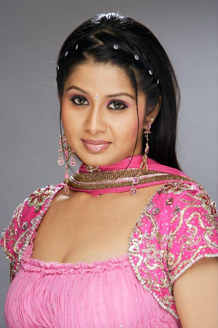 Tamil actress Ambika Hot First Night | downblouse1