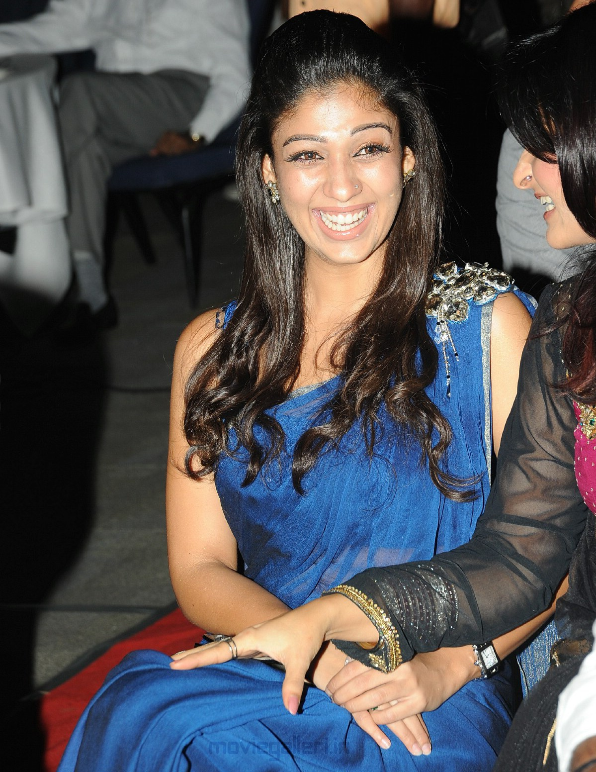 Nayanthara without Dress with Simbu http://ajilbab.com/nayanthara/nayanthara-out-dress-actress-simbu-latest.htm
