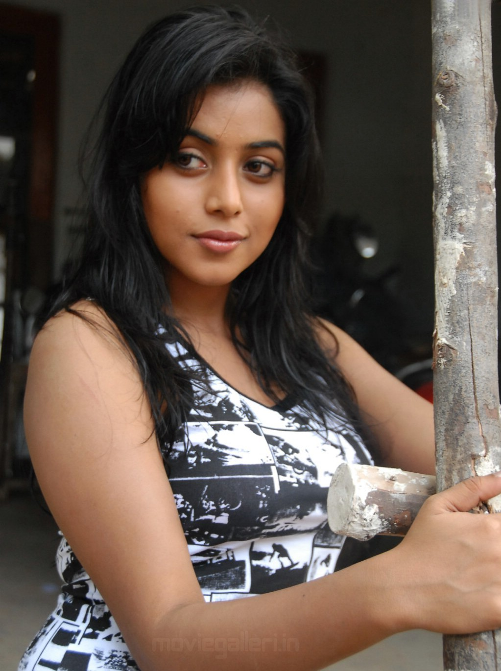 Telugu Actress Poorna Latest Stills Seema Tapakaya New Movie