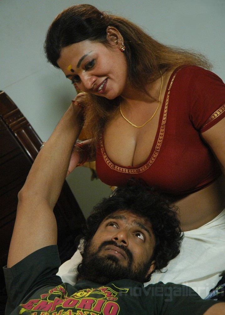 Thiruttu Sirukki Movie Hot Stills