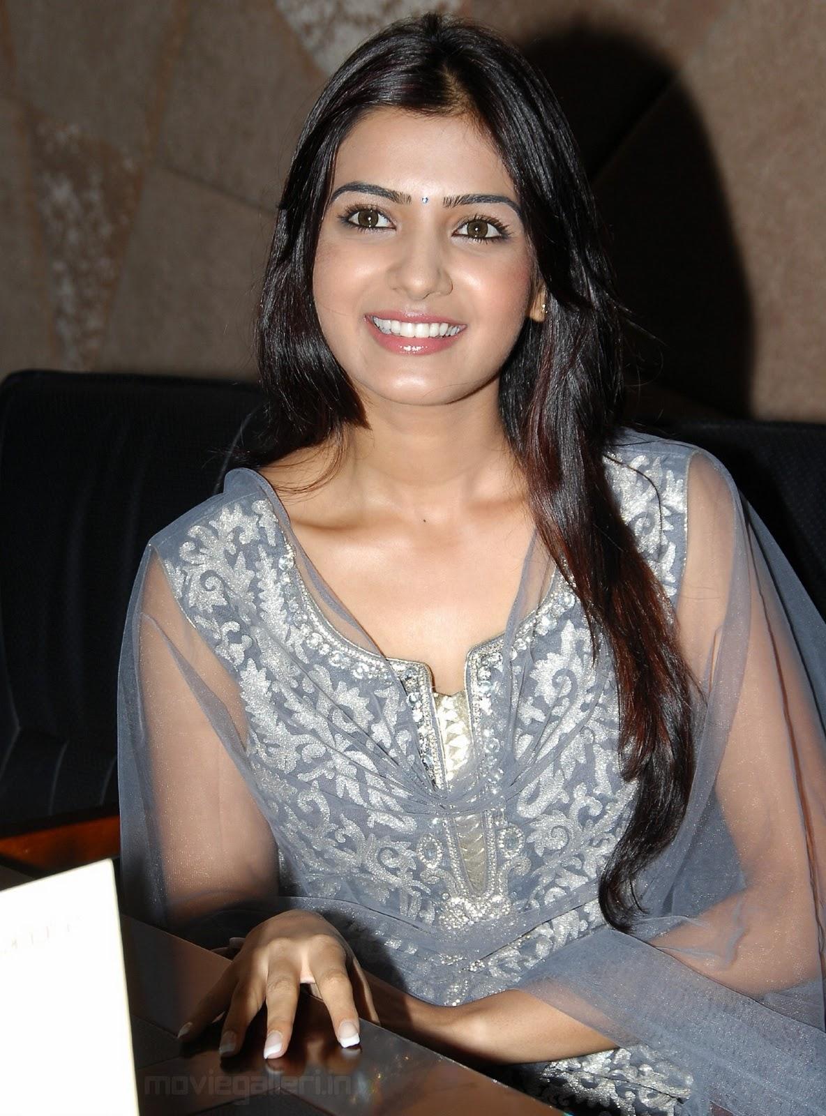 http://1.bp.blogspot.com/_eewr1b1LpYA/TMO81iBTSfI/AAAAAAAAJ2A/Mng2uwz2ReQ/s1600/actress_samantha_cute_smile_stills_wallpapers_09.jpg