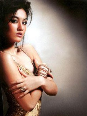 koleksi foto artis bugil indonesia agnes monica bugil