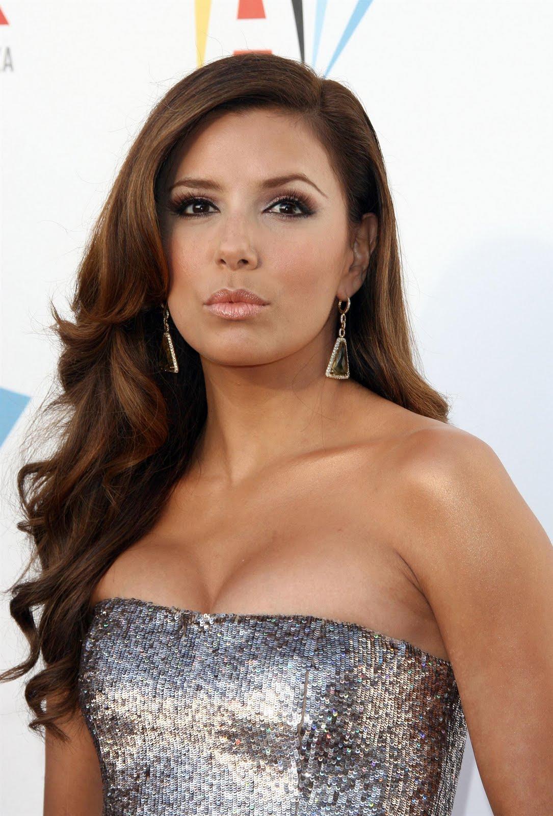 http://1.bp.blogspot.com/_eg7JvIinZrE/Swiw6wZTFPI/AAAAAAAALA0/3ZiRFmlBF0U/s1600/96330_celebrityheart.blogspot.com_7238_123_59lo.jpg