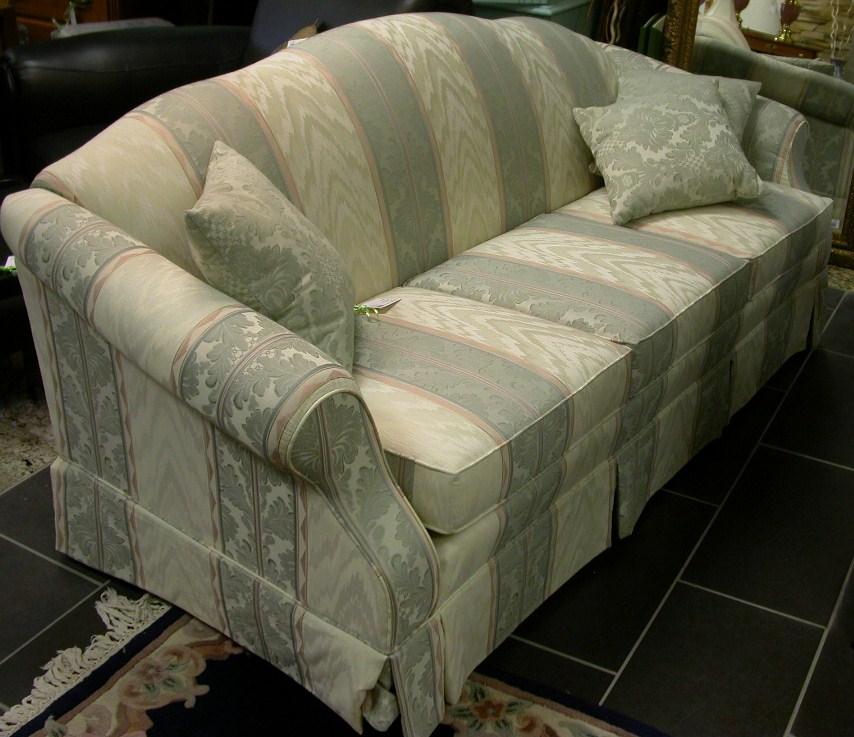 Modern hall end table sklar peppler sofa creme chaise for Table chaise moderne
