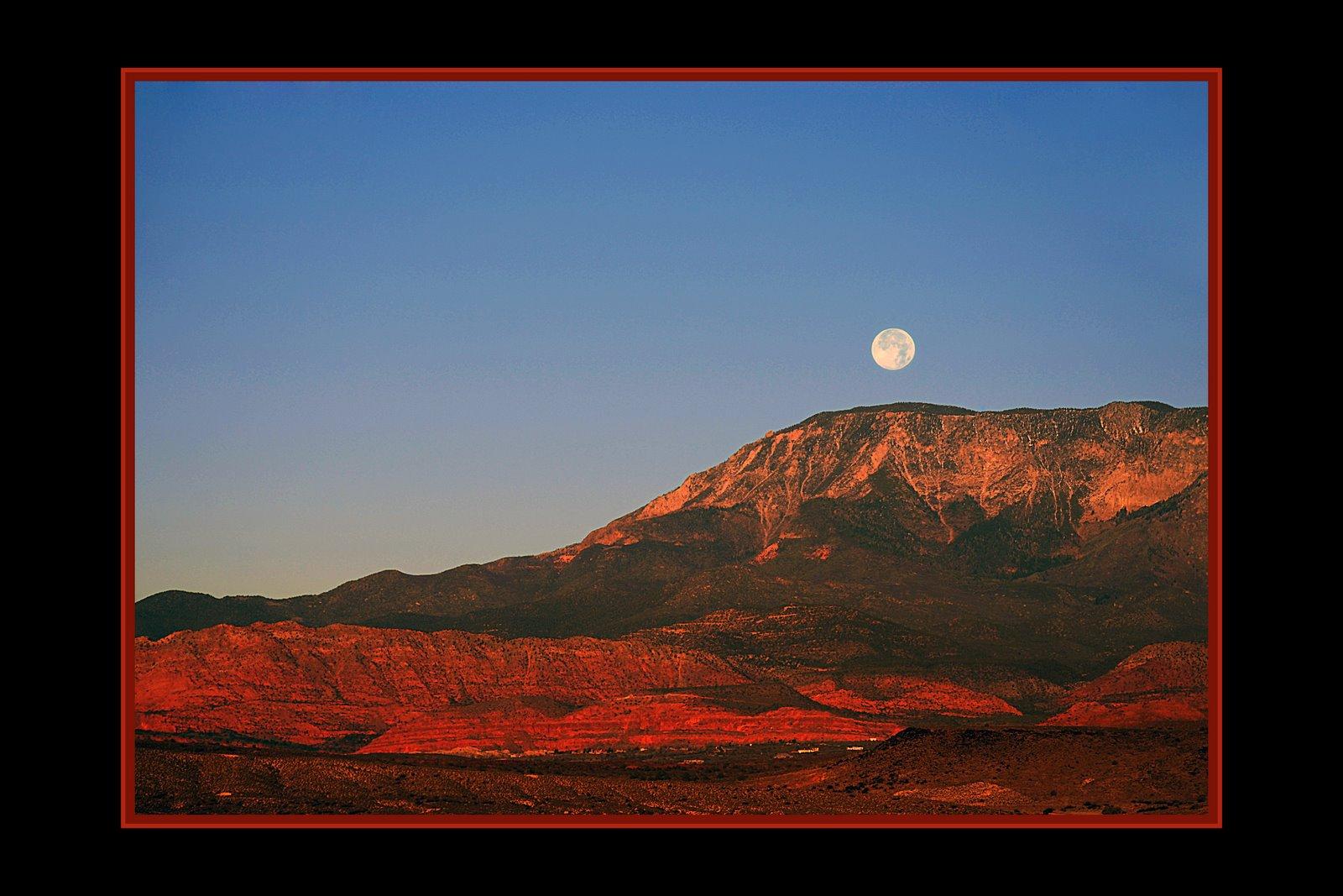 [Moon+setting+West+of+Laverkin.jpg]