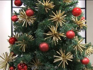 Adornos para el arbol de Navidad con sorbetes reciclados