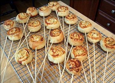 Chupetines de pizza (pizza rolls en palito), muy faciles para tu fiesta