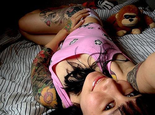 sexy hip tattoos. tattoos on hip thigh.