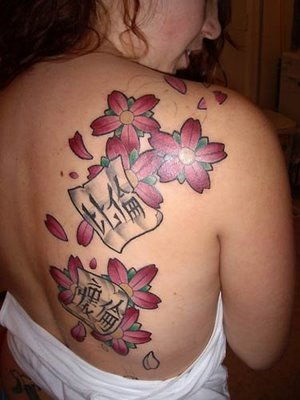 Added to queue The sexiest flower tattoos ever!by .