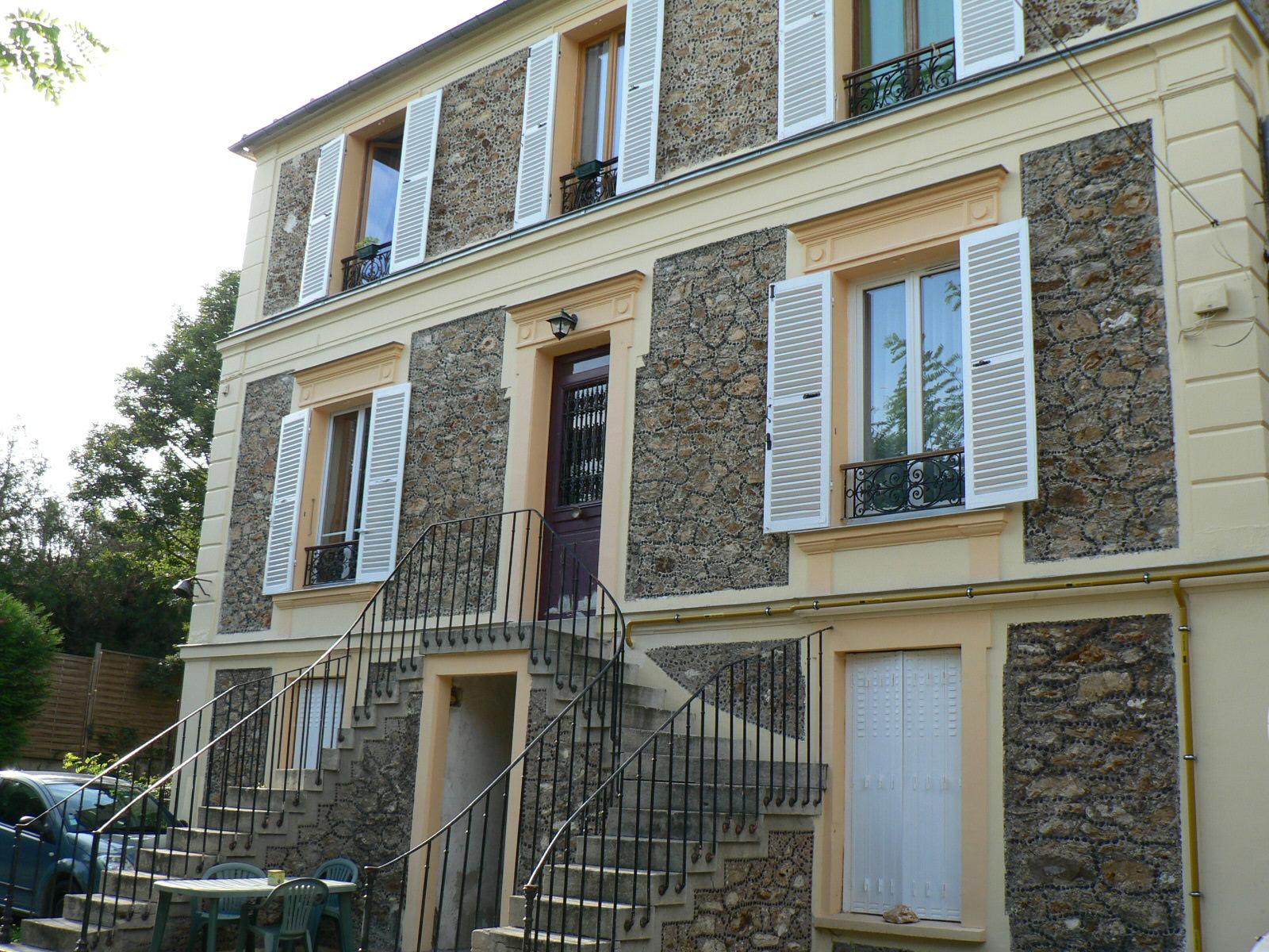 Vivre dans la vall e de l 39 yerres l 39 ext rieur de la maison for Nettoyage maison exterieur