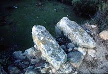 Ménsulas de la ladronera de Botafuego, una de ellas destruida en 2004.