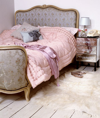 [pink+room+bed]
