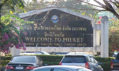 Chegada no aeroporto internacional de Phuket, na Tailandia.