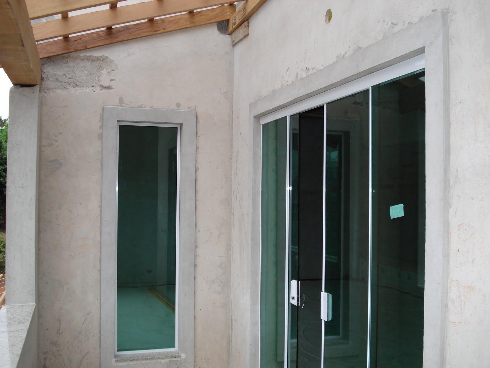 #6B4D35 Nasce uma casa ***** O dia a dia de uma construção: A porta  610 Janelas En Vidros