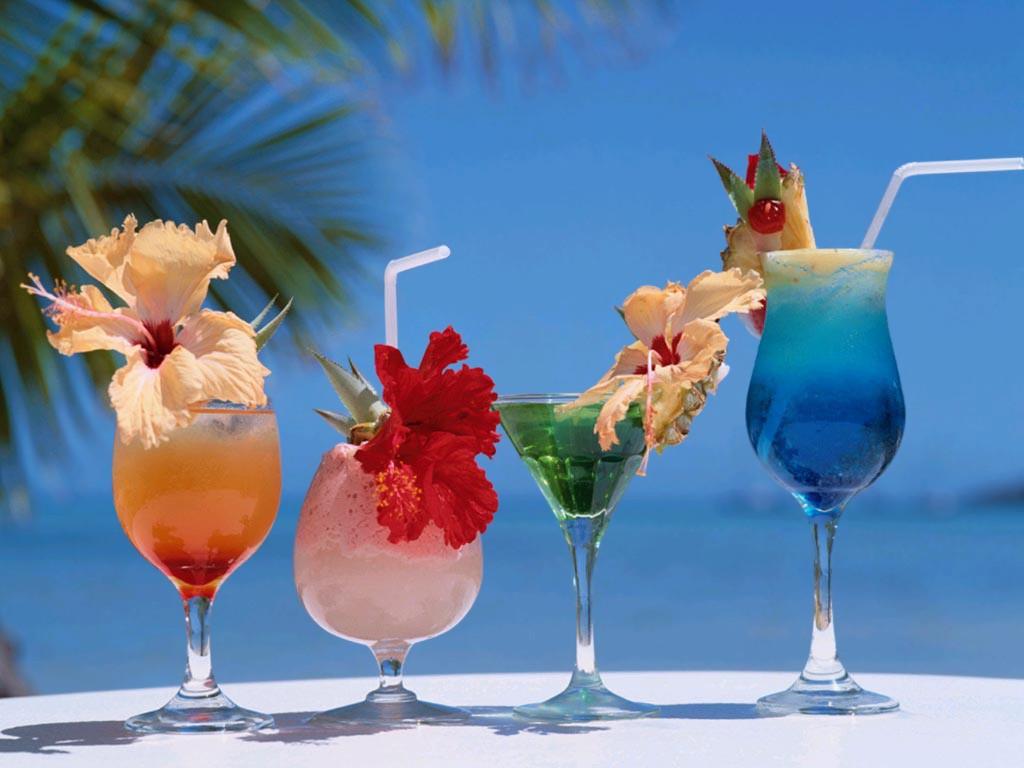 http://1.bp.blogspot.com/_eoEYAJPYtAg/TGns7zlKNTI/AAAAAAAACkQ/DPnHk0F6gvY/s1600/Summer_Cocktail_Drinks.jpg