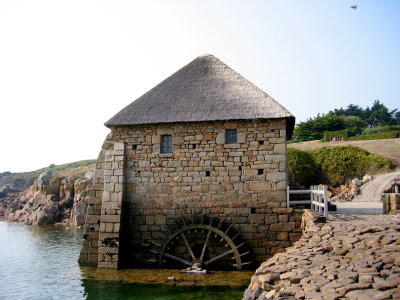 external image 400px-tidal-mill-brehat-france.jpg