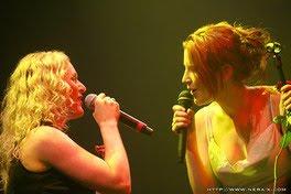 Liv con otros/as artistas del metal  Delan+Liv+Kristine+Wessels