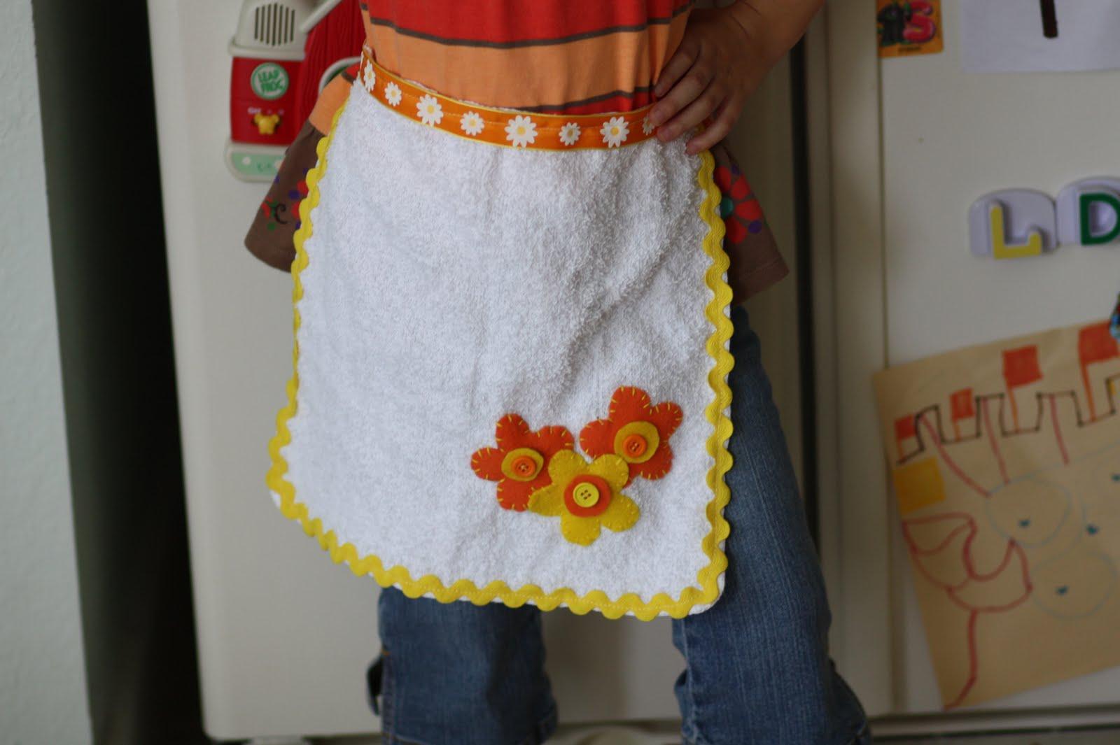 http://1.bp.blogspot.com/_eq9w-Zrcr7Y/TP4mcFtYIHI/AAAAAAAABZE/BMAkMOrXK_g/s1600/Kids+Washcloth+Apron+H.JPG