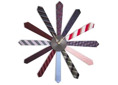 Tie clock