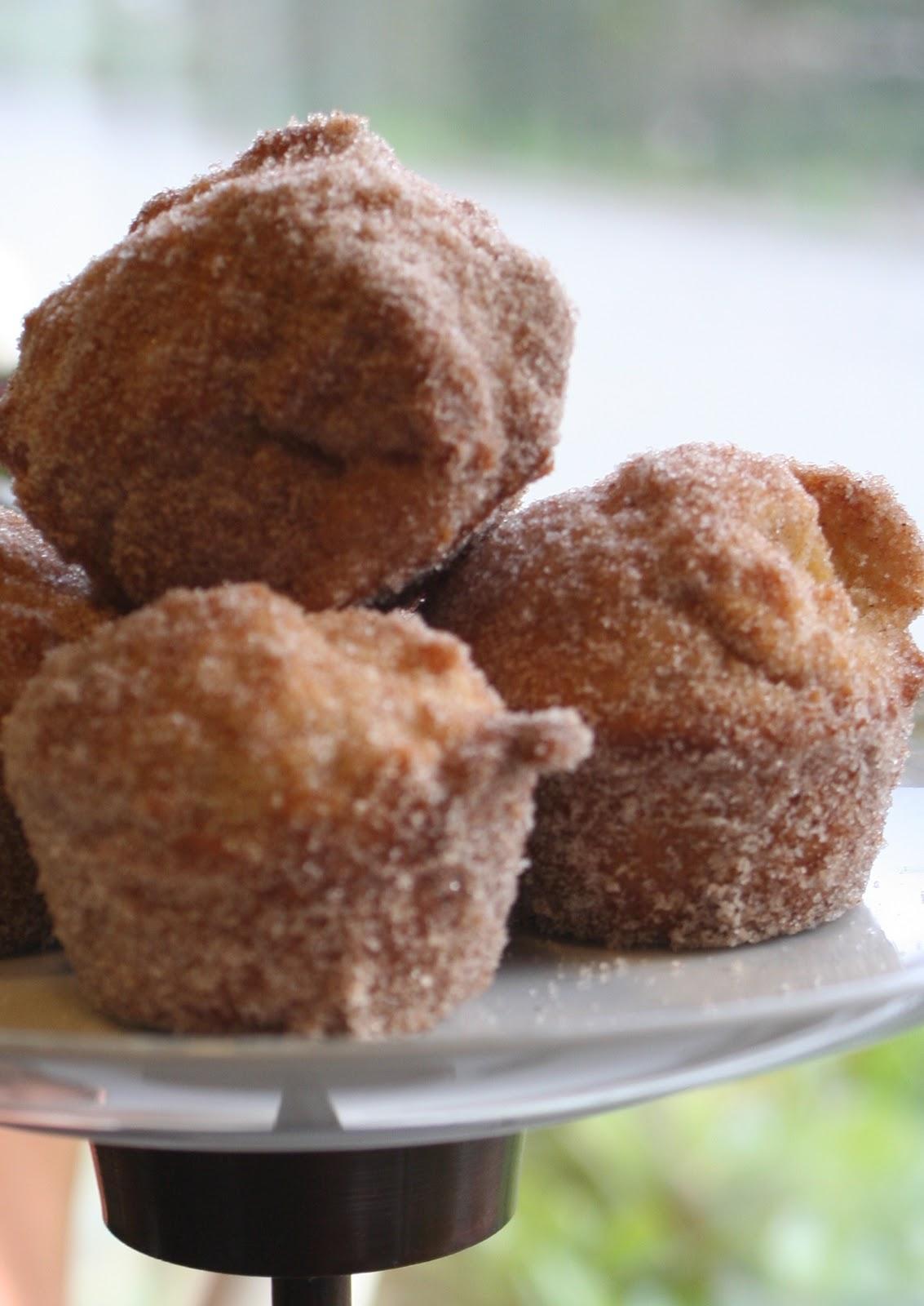 Lilliedale: Doughnut Muffins