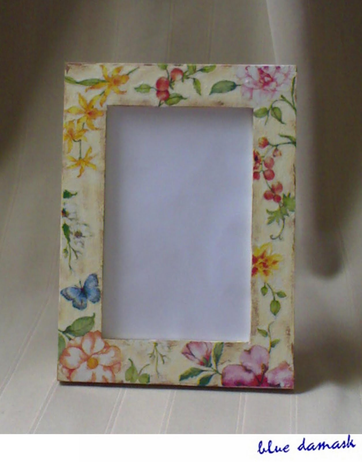 House of blue damask june 2010 decoupage project collette photo frame jeuxipadfo Image collections