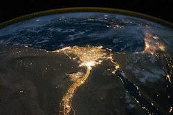 مصر ليلاً
