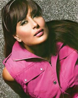 Actress Kareena Kapoor in Barbie hair style look wallpapers.